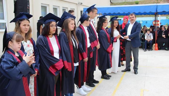 Çan Zeynep Bodur Okyay Özel Eğitim Mesleki Eğitim Okulu 12 mezun verdi