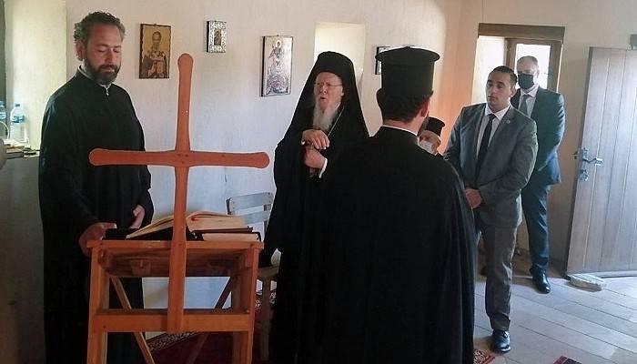 Bartholomeos Bozcaada'da düzenlenen geleneksel ayine katıldı (VİDEO)