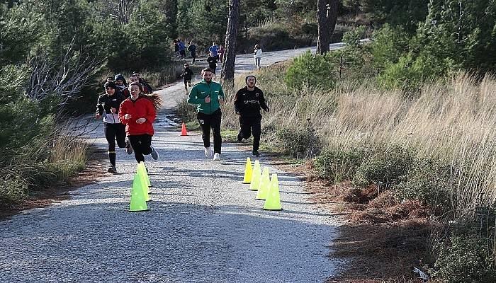 Gençler İçin Salgında Spor Etkinlikleri Düzenleniyor