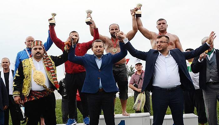 Umurbey güreşlerinde Orhan Okulu başpehlivan (VİDEO)