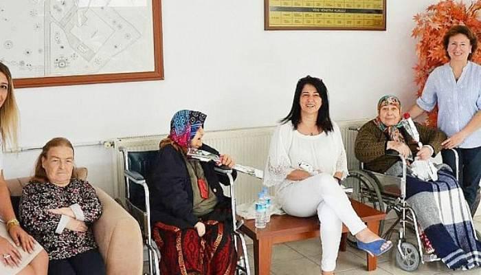 Özel Biga Can Hastanesi Yaşlılarla Bir Araya Geldi