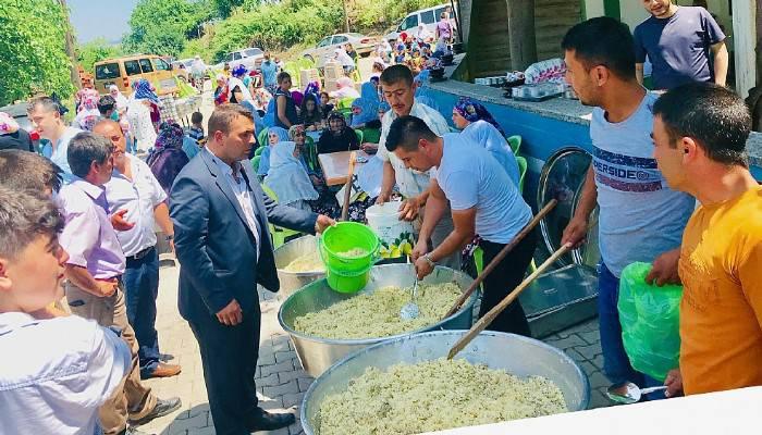 Köy hayır yemeğine 2 bin kişi katıldı