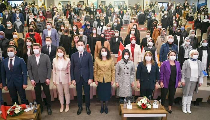 Özlem Karadayı AK Parti Kadın Kolları Başkanı Olarak Seçildi