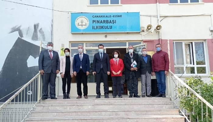 Ezine Kaymakamı Dr. Hacı Arslan Uzan Okulları Ziyaret Etti