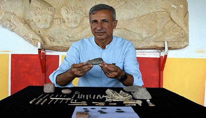 Assos'ta 7 bin yıllık granit taş balta bulundu (VİDEO)