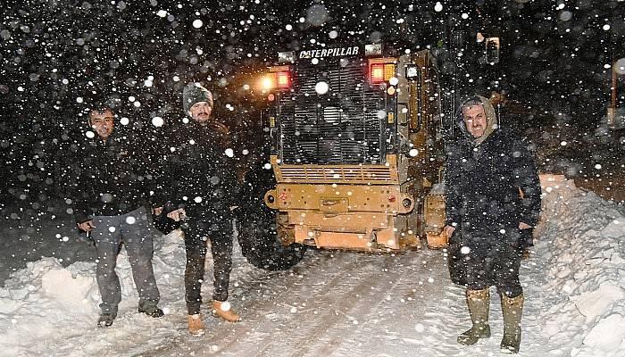 Karla mücadele çalışmalarını yerinde incelediler