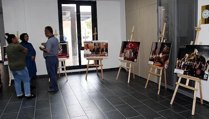 Lapseki'de '15 Temmuz Kalkışma Gecesi Türkiye' sergisi açıldı