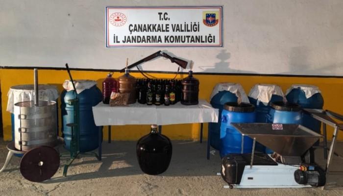 Gökçeada'da, bağ evinde 1355 litre sahte şarap ele geçirildi