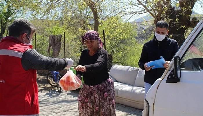 Gökçeada vefa destek gurubu evlere portakal ve mandalina dağıttı