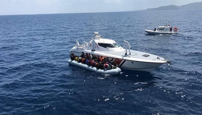 Ayvacık'ta ölüme terk edilen 134 göçmen kurtarıldı