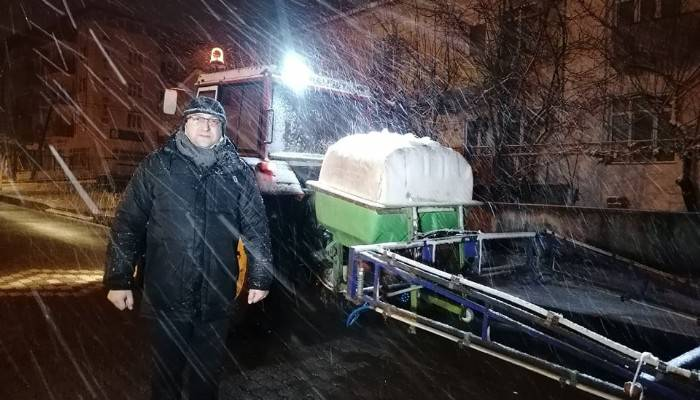 Çan'da karla mücadele çalışmalarında solüsyon kullanılıyor (VİDEO)