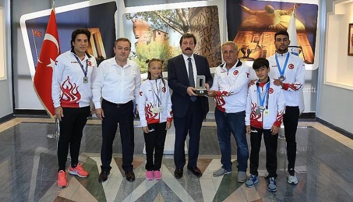 Vali Orhan TAVLI, Triatlon Branşında Başarılı Sporcuları Kabul Etti