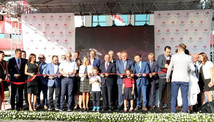 Bahçeşehir Koleji açıldı