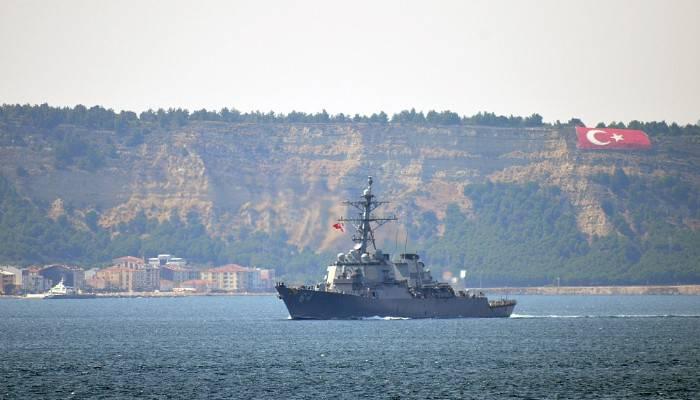 Amerikan savaş gemileri boğazdan geçti (VİDEO)