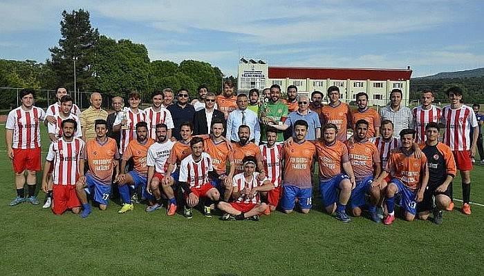 ÇOMÜ Spor 17 Futbol Turnuvasının Ödülleri Verildi
