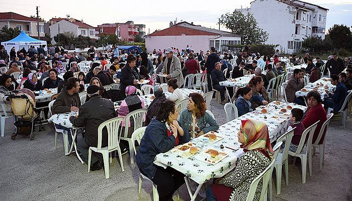 İlk iftar sofrası Dalyan Mahallesi'nde kuruldu