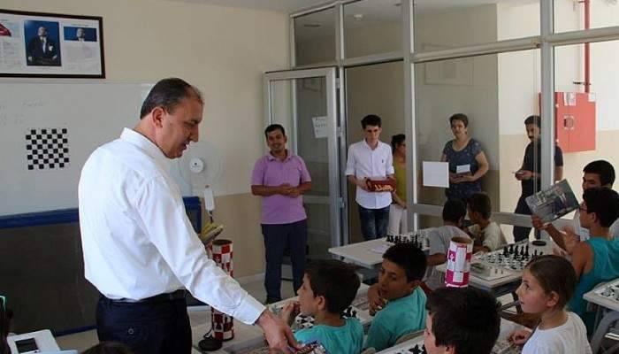Başkan Işık'ın ziyaretinde Çanakkale Türküsü sürprizi