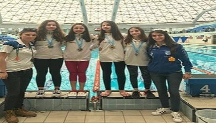 Yüzme Takımı gururlandırdı