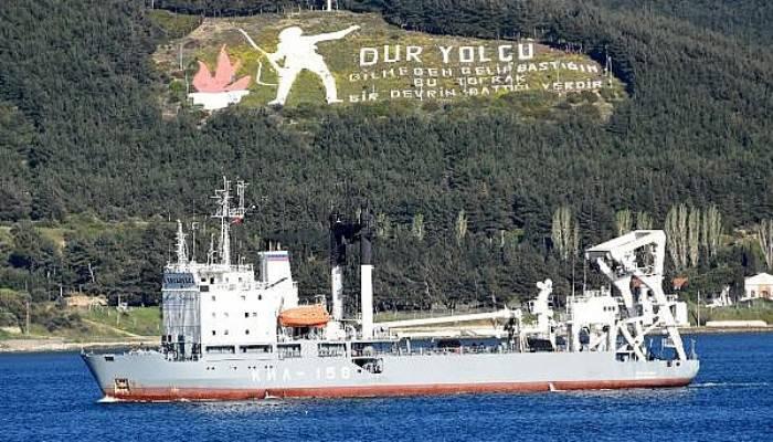 Rus askeri kurtarma gemisi Çanakkale Boğazı'ndan geçti (VİDEO)