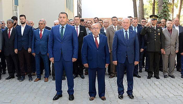 Lapseki'de Muhtarlar Günü Kutlandı