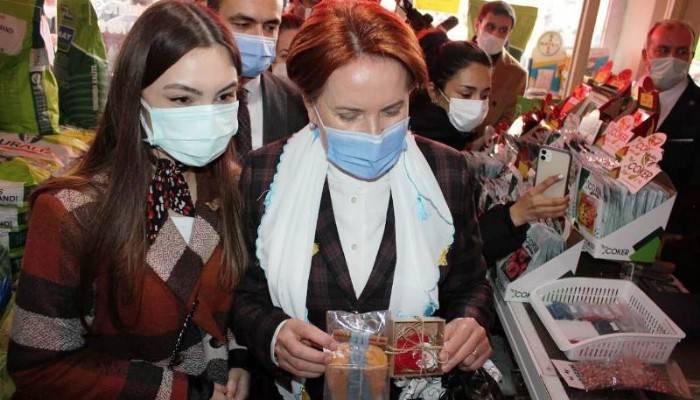 Meral Akşener, Biga'da esnafı ziyaret etti