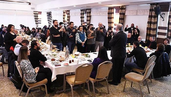 Başkan Gökhan Gazetecilerle Bir Araya Geldi