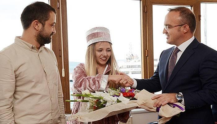 Turan, Türkiye'nin Kalfasını tebrik etti (VİDEO)