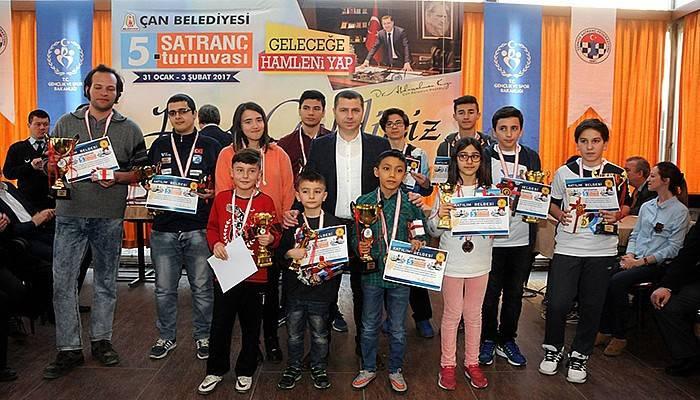 Satranç Turnuvalarında Ödüller Sahiplerini Buldu