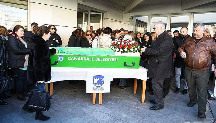 Vefat Eden Eski Belediye Meclis Üyesi İçin Belediye Önünde Tören Düzenlendi