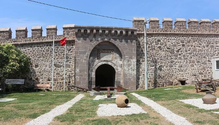Osmanlı'nın son kalesinin içi tamir edilmeyi bekliyor (VİDEO)