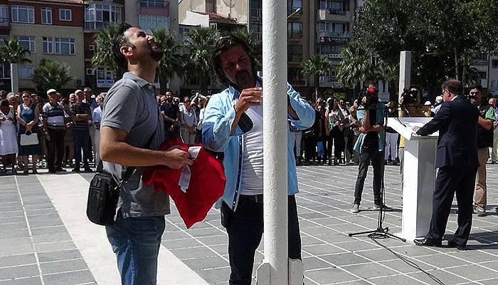 CHP'nin 94'ncü kuruluş yıldönümünde Türk bayrağı unutuldu (VİDEO)