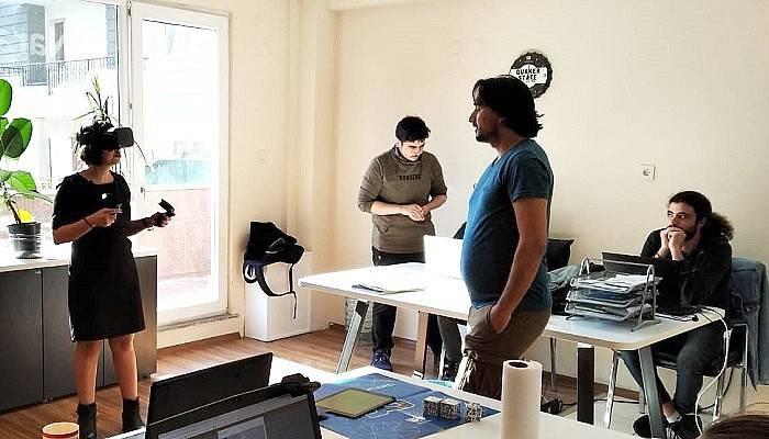 Çanakkale'de işbaşında eğitim, dünyada teknolojide gelişim