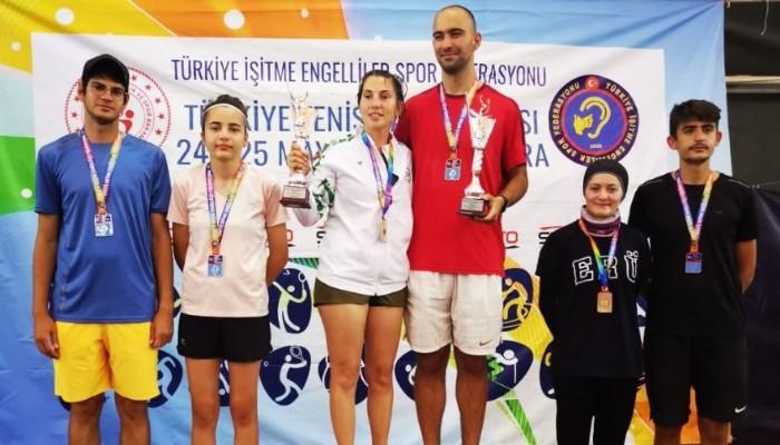 Türkiye Tenis Şampiyonası'ndan başarı ile döndü