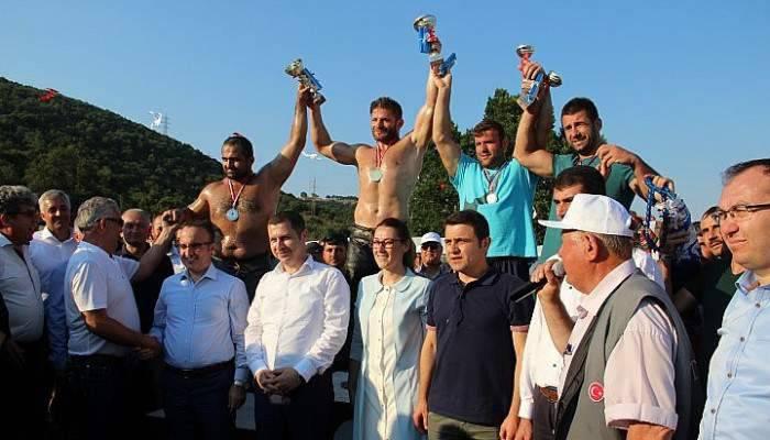 Çan Belediyesi Yağlı Güreşler Başpehlivanı İsmail Balaban Oldu