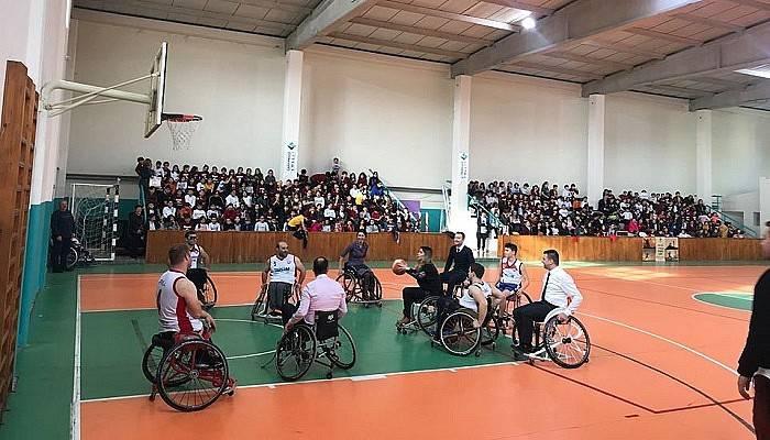 Dünya Engelliler Gününde empati maçı