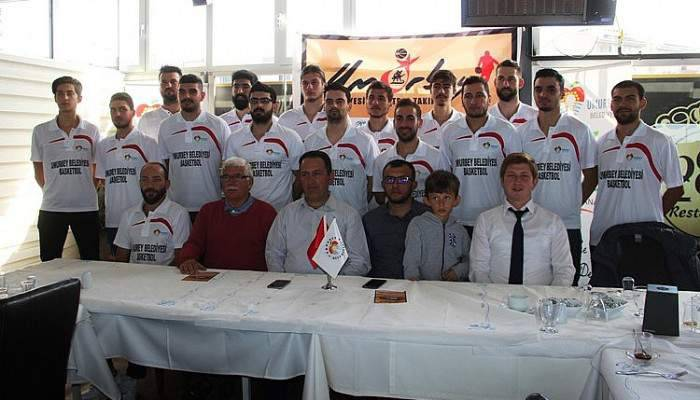 Umurbey Belediyesi Basketbol Takımı görücüye çıktı