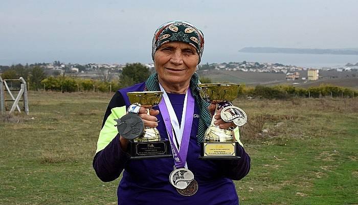 80 yaşında maratondan maratona koşuyor (VİDEO)