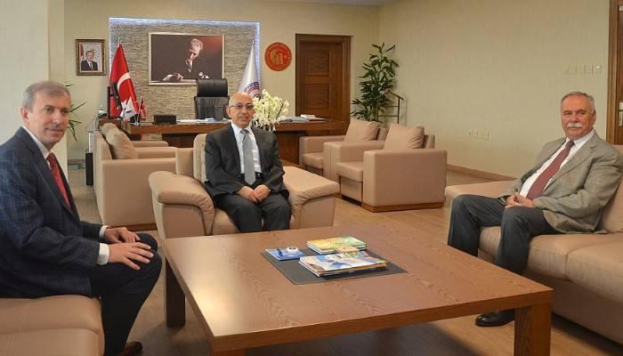 Belediye Başkanı Ülgür Gökhan'dan Rektör Prof. Dr. Sedat Murat'a Ziyaret