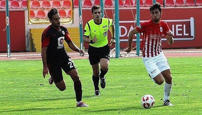 Dardanelspor,Derincespor'u 18 Mart Stadı'nda 5-1 yendi