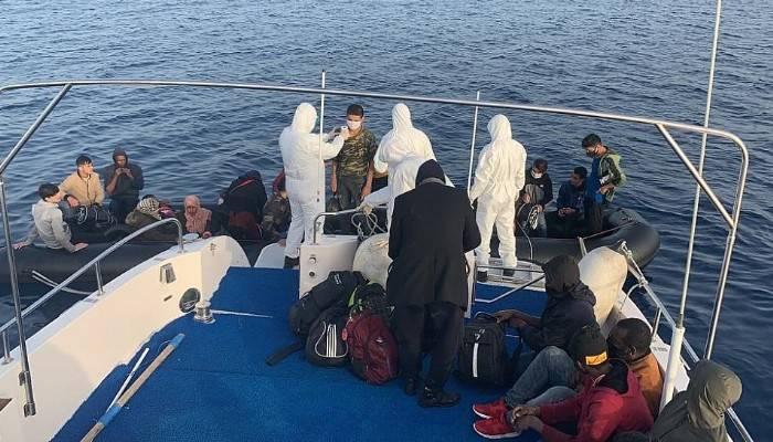 Yunanistan'ın ölüme terk ettiği göçmenleri, Sahil Güvenlik ekipleri kurtardı