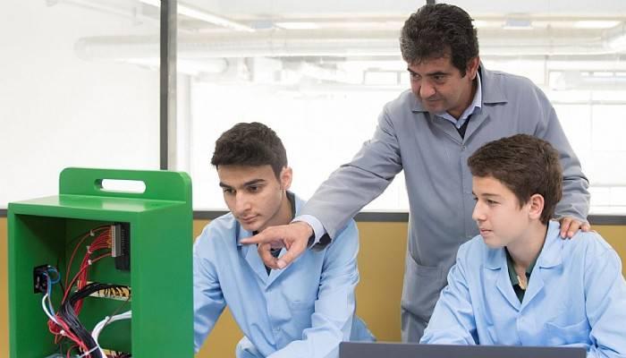 Meslek öğretmenlerinin yüzde 85'ine işbaşı eğitimi