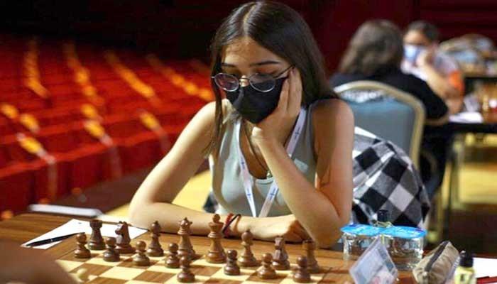 Dilek Türünz satranç milli takımına girdi