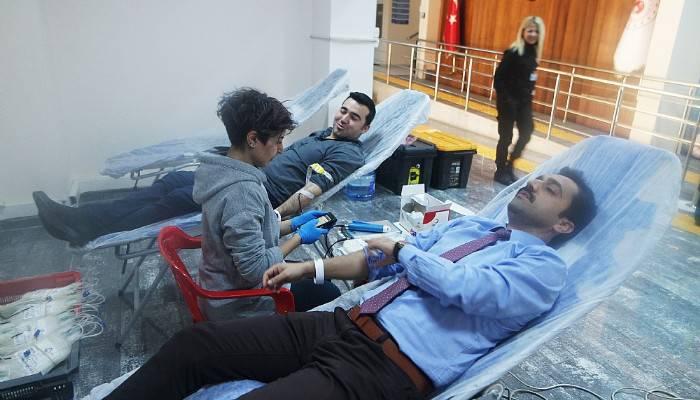Personelden Kan Bağışına Destek