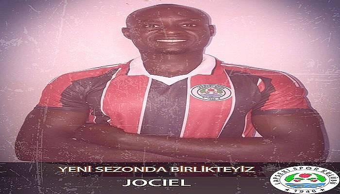 Lapsekispor'a Kamerunlu Transfer