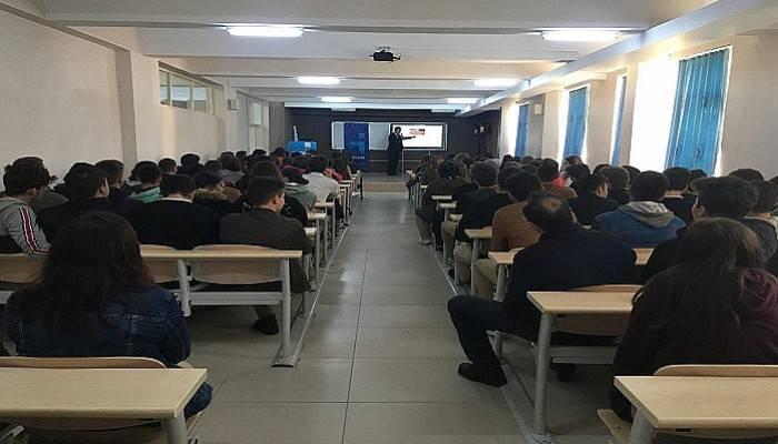 Öğrencilere Meslek Seçimi ve İş Arama Becerileri Eğitimi Verildi