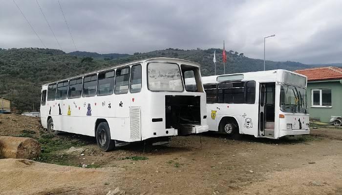 Küçükkuyu Belediyesi, Hurda Otobüsleri Hayvan Bakım Merkezine Dönüştürdü