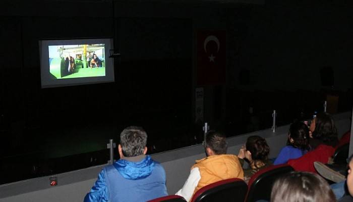 Kepez'de Sinema Gösterimi