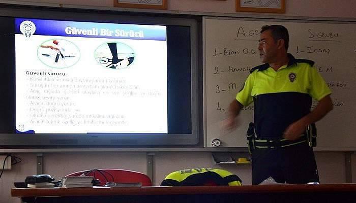 Servis şoförlerine eğitim semineri düzenlendi