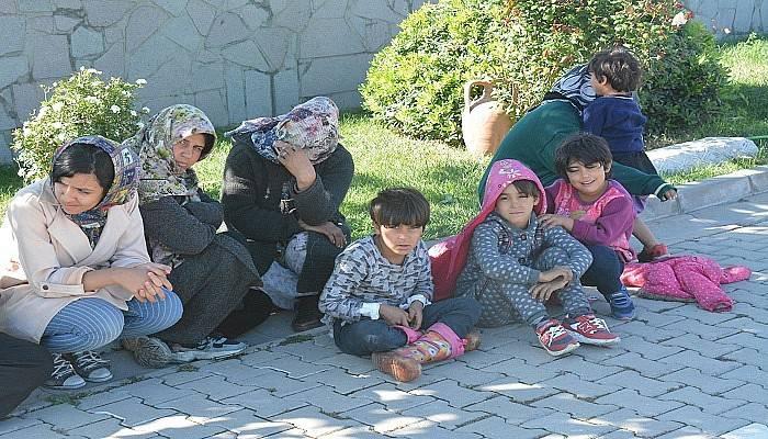 Çanakkale'de 110 kaçak göçmen ve 5 organizatör yakalandı (VİDEO)