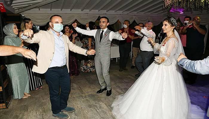 Turan düğüne katıldı